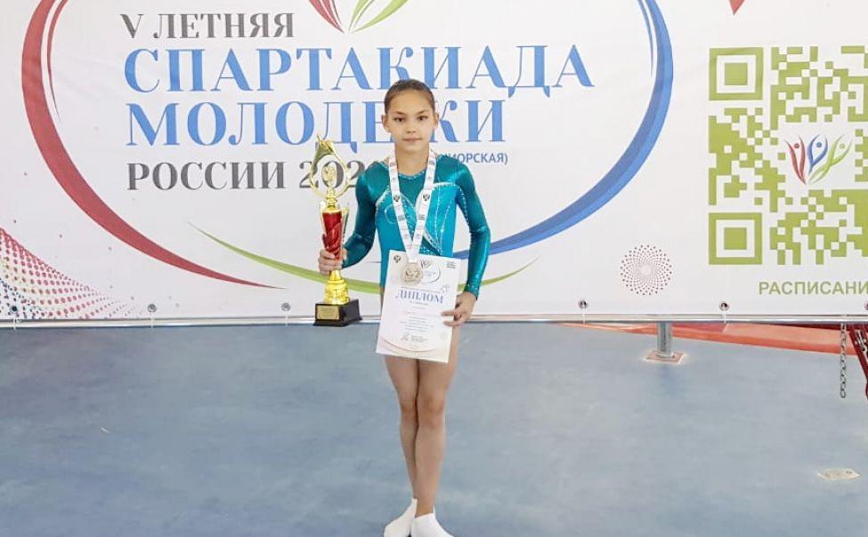 Юная спортсменка из Чувашии стала серебряным призером Спартакиады молодежи России по спортивной гимнастике